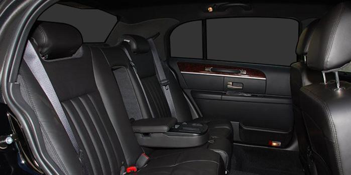 Lincoln Town Car Rental (Interior)