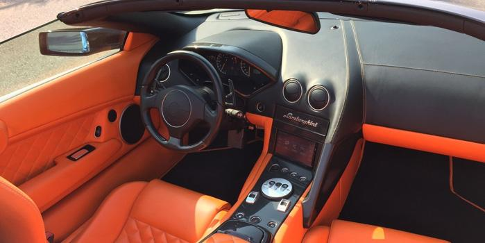 Lamborghini LP640 Roadster Rental (Interior)