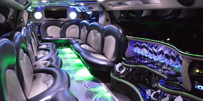 45_range-rover-limo-interior.jpg