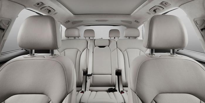 Audi Q7 Rental (interior)