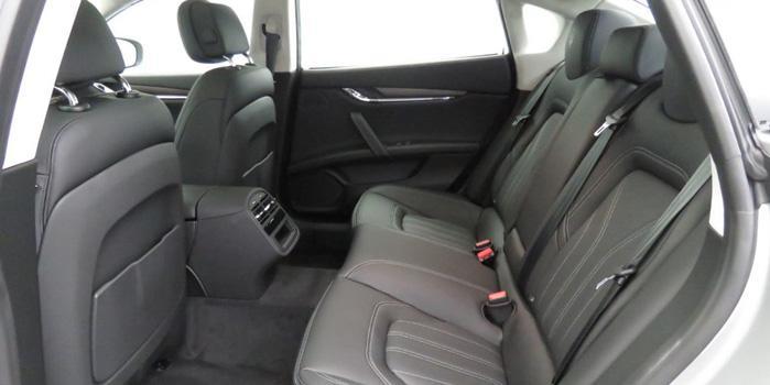 Maserati Quattroporte Rental (interior)