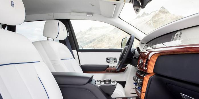 84_rolls-royce-sedan-interior.jpg
