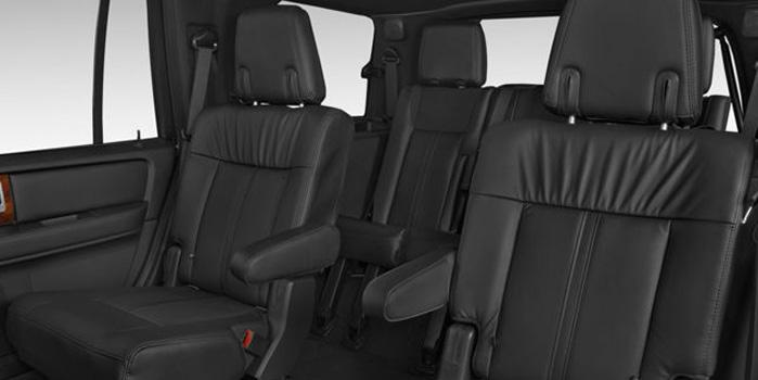 Lincoln Navigator Rental (Interior)