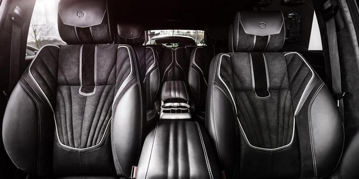Mercedes R-550 Rental (Interior)